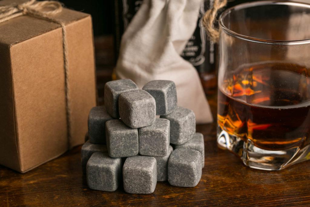 Зачем нужна камни для виски