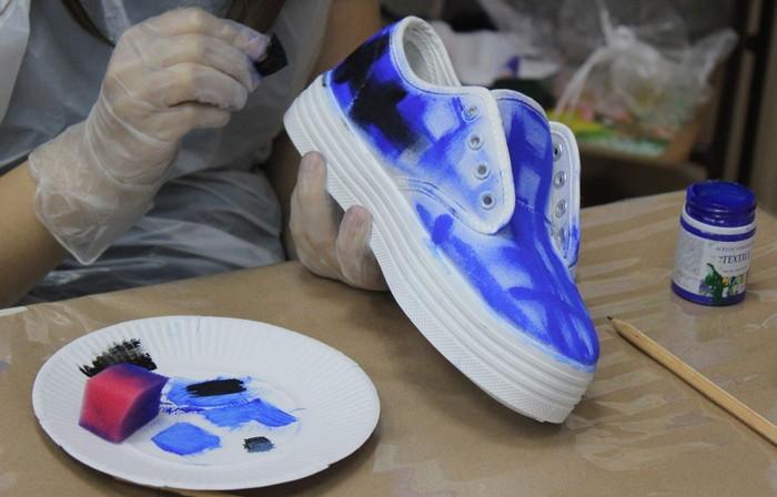 окрашивание текстильных кроссовок