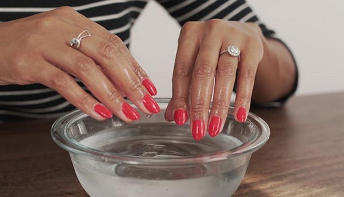 быстро высушить лак на ногтях
