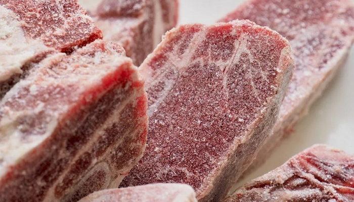 замороженое мясо из морозилки