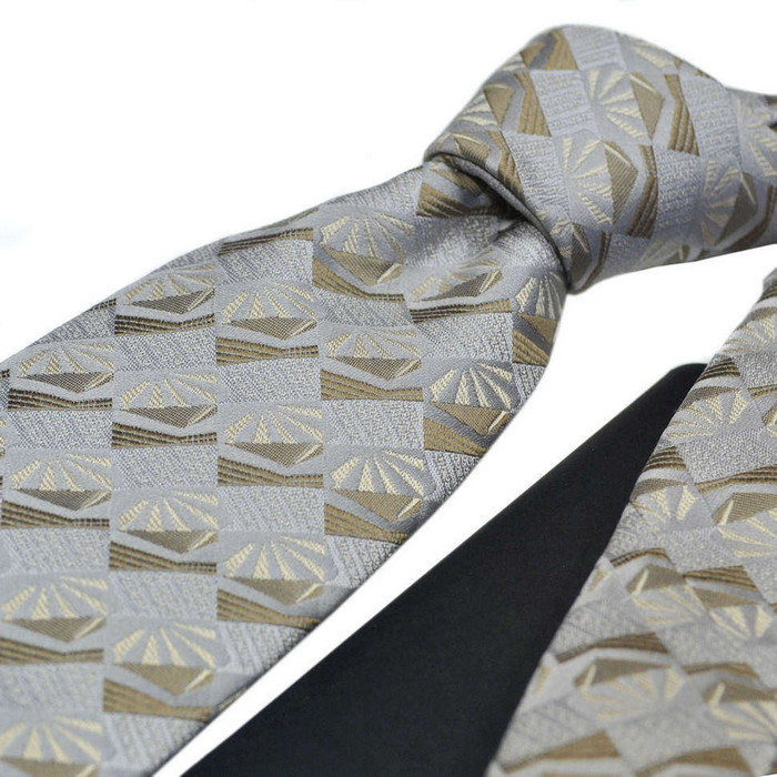 классический галстук для мужчины